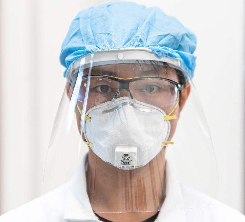 SolidLine vs. Corona Gesichtsschutzmaske